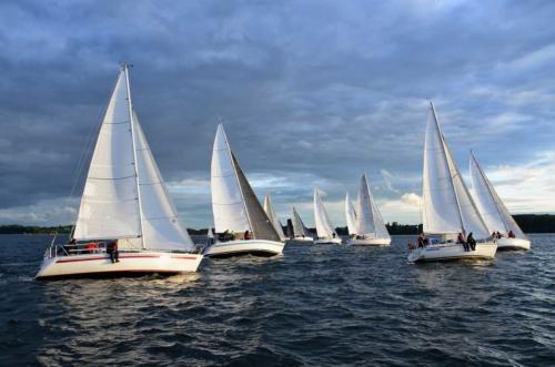 Yachten, Boote, Masten